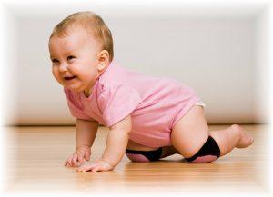 bebeklerde emekleme, emekleme dönemi, bebeklerin emeklemesi
