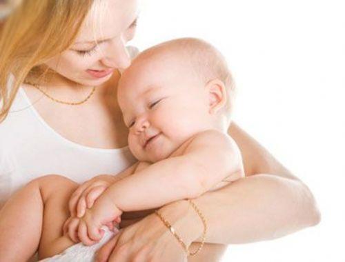 Bebekleri Kucağa Alıştırmak