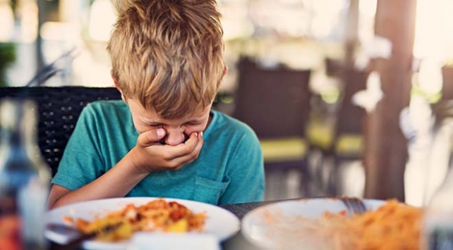 Gıda Zehirlenmesi Nedenleri ve Belirtileri Nelerdir?